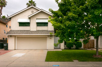 2104 Bailey Ct, Modesto-001