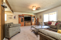 421 Ashlan Way-011